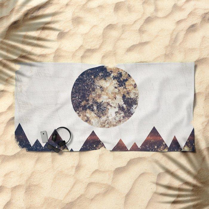 moon children Beach Towel