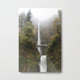 Multnomah Falls in Autumn Metal Print