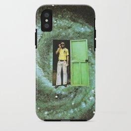 Ciao cara, ehm...c'è qualcosa che non va nello scantinato iPhone Case