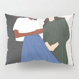 Model Pair Flow Pillow Sham