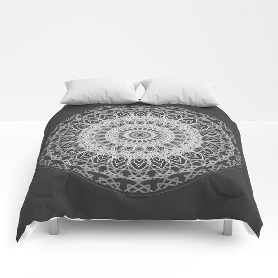 Mandala blast Comforters