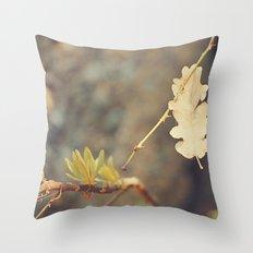 Leaf. Throw Pillow
