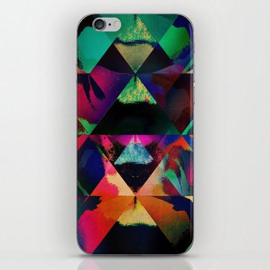 4mntns iPhone Skin