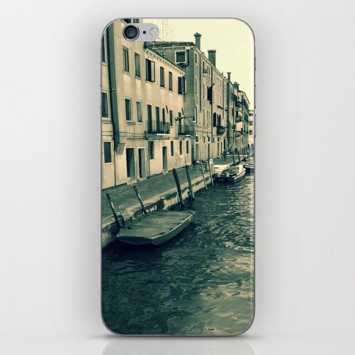 Venezia, where my heart is iPhone Skin