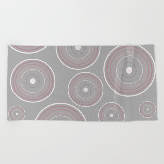 CONCENTRIC CIRCLES IN GREY (abstract pattern) Beach Towel