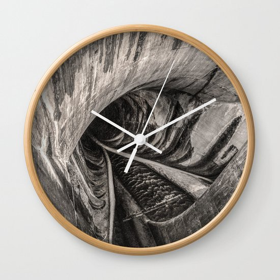 Dam Reticulation - the Void Wall Clock