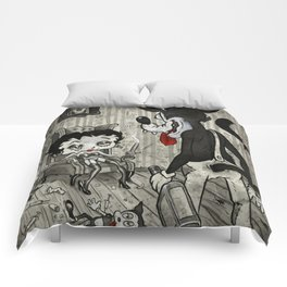 BETTY AND THE WOLF Comforters