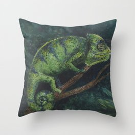 Camaleón Throw Pillow