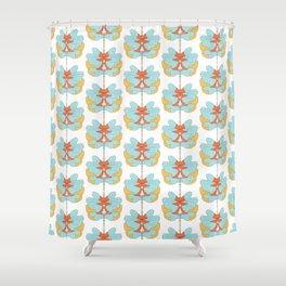 hookah kitty Shower Curtain