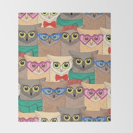 Pattern with cute owls with trendy accessories - glasses, bow-tie, flowers, scarf Throw Blanket