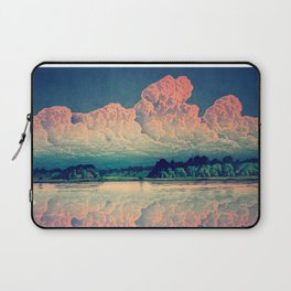 Admiring the Clouds in Kono Laptop Sleeve