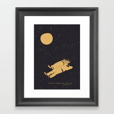 Tomar luna Framed Art Print