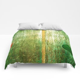 Metallic Face (Green Version) Comforters