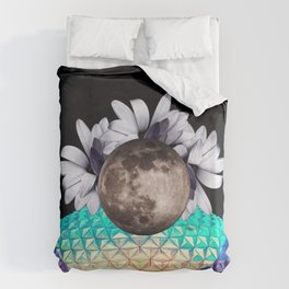 Beyond the moon and back Duvet Cover