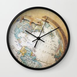 Globe-Trotting Gecko Wall Clock
