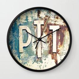 N°244 - 21 06 11 Wall Clock