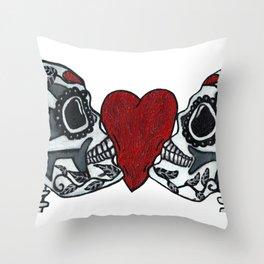 Amo y Besos<3 Throw Pillow