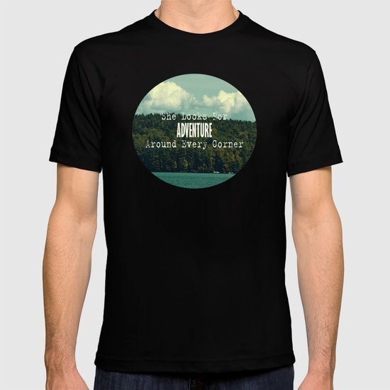 She Looks for Adventure  T-shirt