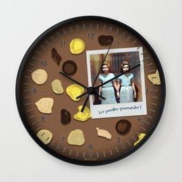 Les jumelles gourmandes ! Wall Clock