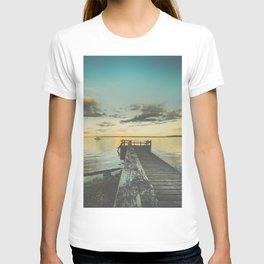 Dating Alice in wonderland T-shirt
