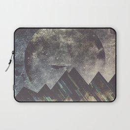 Sweet dreams mountain Laptop Sleeve
