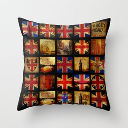 The British are coming Throw Pillow