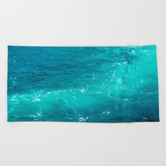 H2Oh, that's cold! Beach Towel