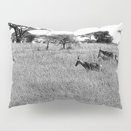 Impala in the grass Pillow Sham