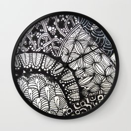 Black and white designe 6 Wall Clock