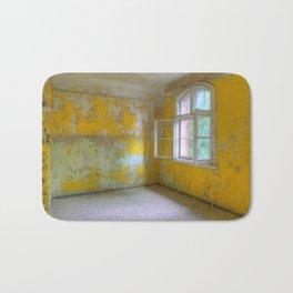 The yellow room, Beelitz Heilstaetten, lost Places Bath Mat