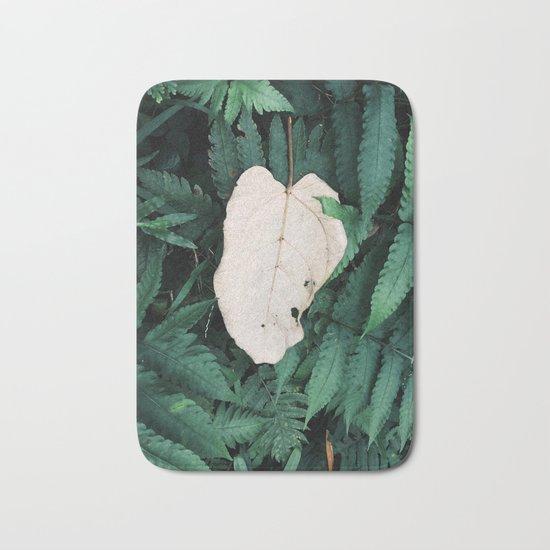 Nature Walk 001 - White Leaf Bath Mat