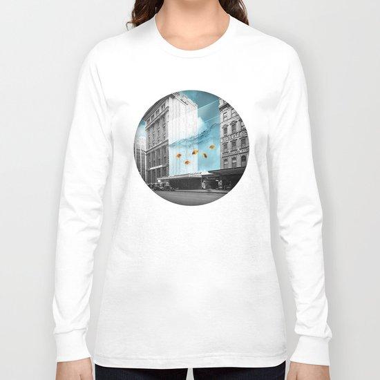 between the walls Long Sleeve T-shirt