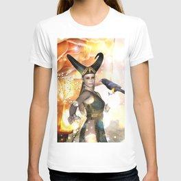 Beautiful dark fairy with crow T-shirt
