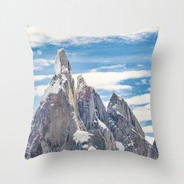 Cerro Torre. Parque Nacional Los Glaciares. Argentina Throw Pillow