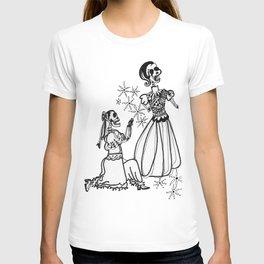 Calaveras Las Casadas T-shirt