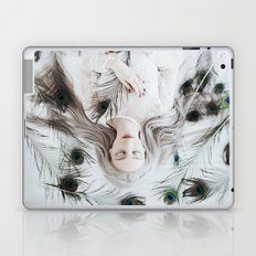 White peacock Laptop & iPad Skin