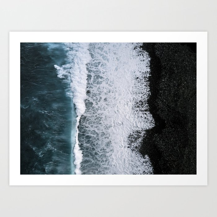 Aerial of a Black Sand Beach with Waves - Oceanscape Kunstdrucke
