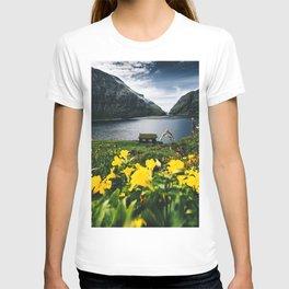 Cabin in Saksun - Faroe Islands T-shirt