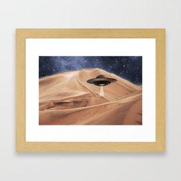 ALIEN DESERT ABDUCTION Framed Art Print
