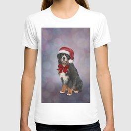 Bernese Mountain Dog in red hat of Santa 2 T-shirt