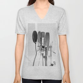 Microphone black and white Unisex V-Neck