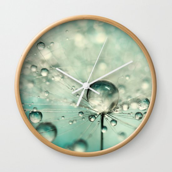 Single Dandy Starburst Wall Clock