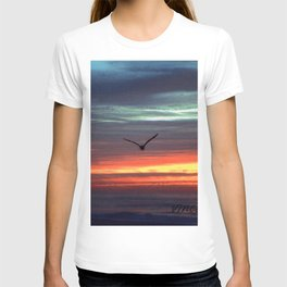 Black Gull by nite T-shirt