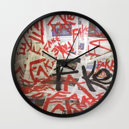 Fake News. Wall Clock