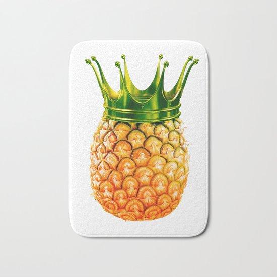 Pineapple? kingapple! Bath Mat
