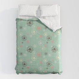 Poised Posies by Deirdre J Designs Comforters
