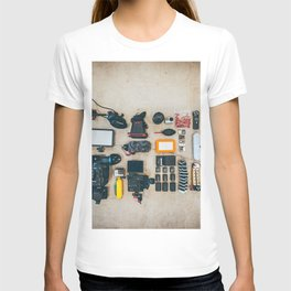 CAMERA - GEAR - LIGHTING - TRIPOD - PHOTOGRAPHY T-shirt