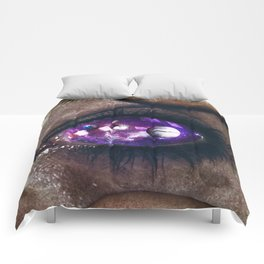 Ojos color galaxia Comforters