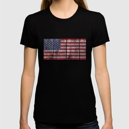 USA flag - on grainy wood T-shirt