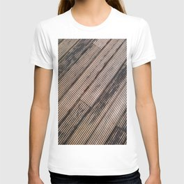 Lines at the ground T-shirt